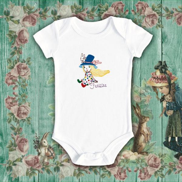 Fata cu iepuras – Body bebe, LWS, bumbac organic, brodat, alb