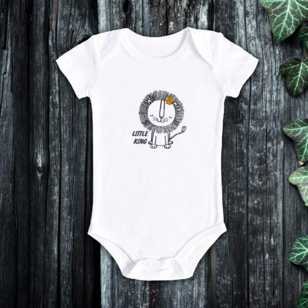 Micul print leu – body bebe, LWS, bumbac organic, brodat, alb