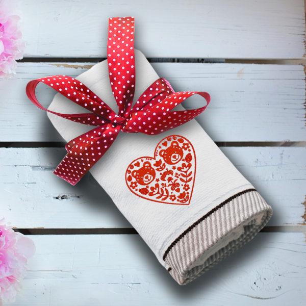 Inima rosie cu flori si ursuleti – prosop brodat lws 1553
