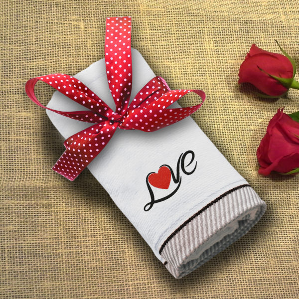 Love – prosop brodat lws 1544